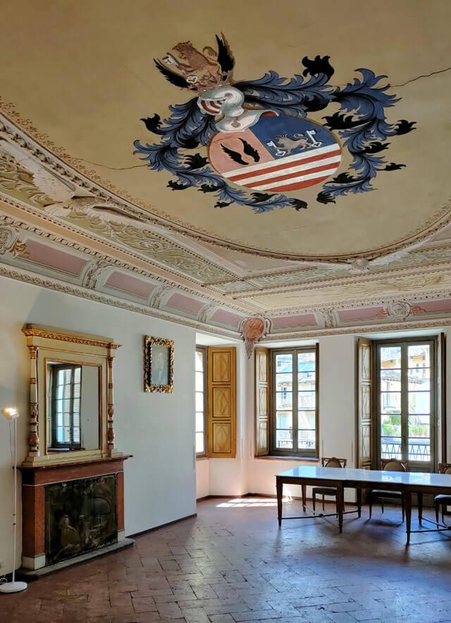 Palazzo Pestalozzi è un palazzo storico di Chiavenna con stua del '500