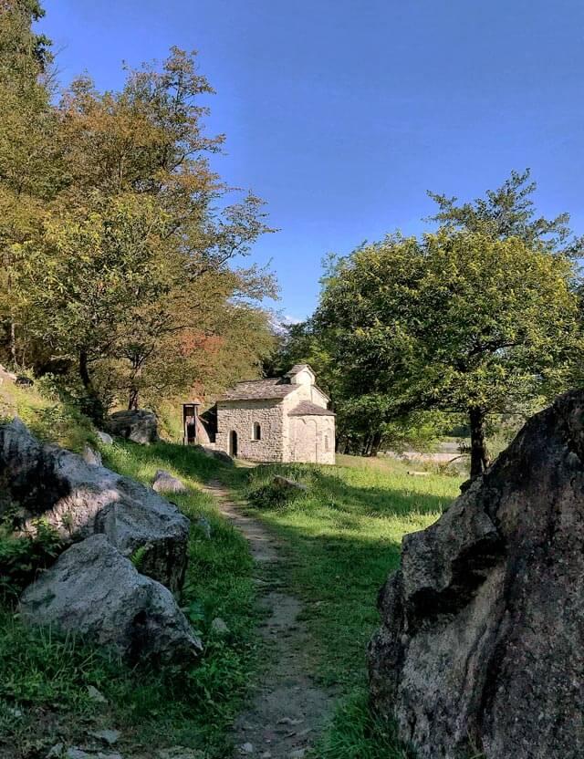 Il Tempietto di San Fedelino è da vedere in Valchiavenna