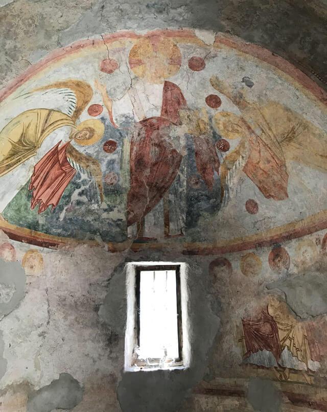 Il Tempietto di San Fedelino è il gioiello nascosto della Valchiavenna