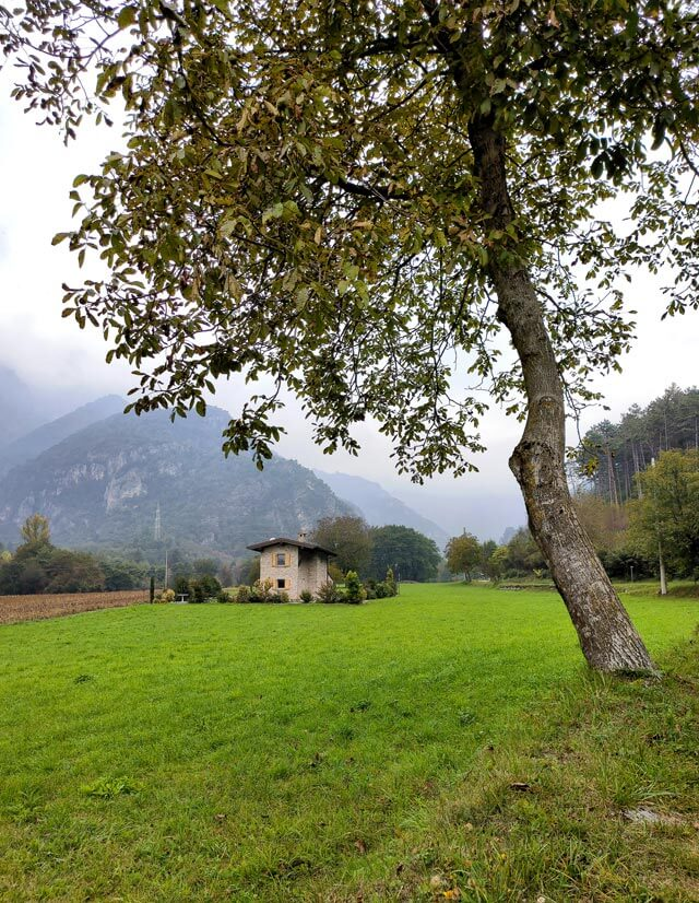 La Valle di Bondo a Tremosine ha belle case isolate nella natura