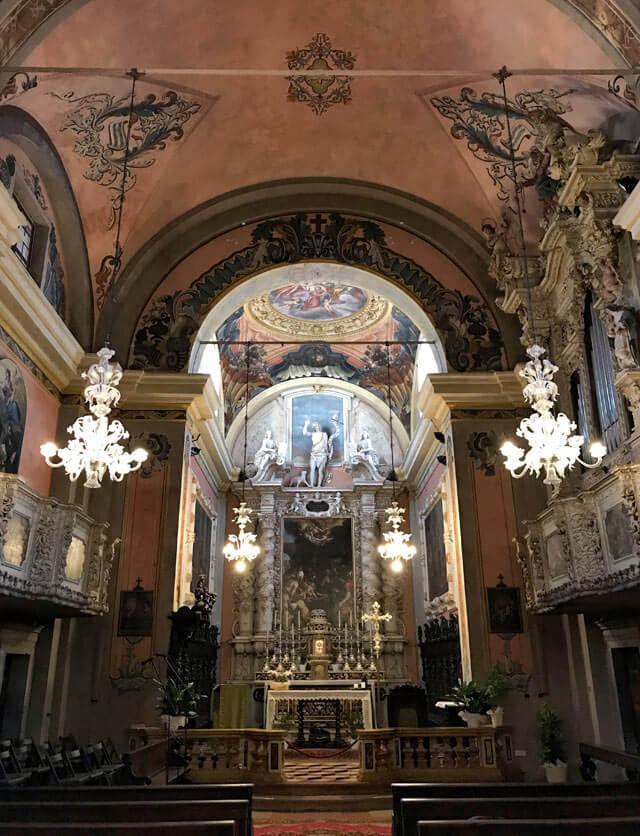 La chiesa di San Giovanni Battista è il gioiello d'arte di Pieve di Tremosine