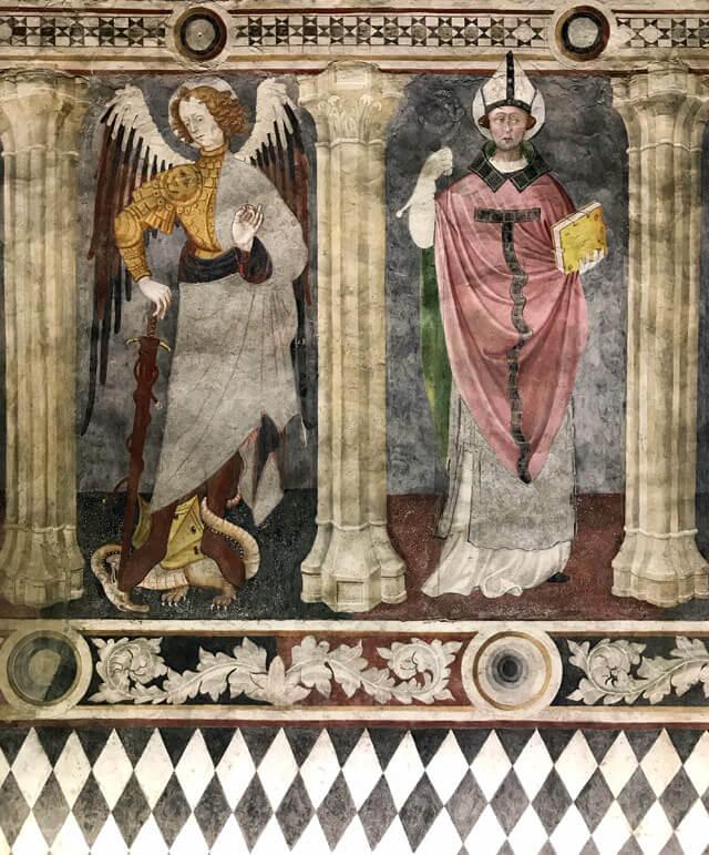 Il Castello di Fénis ha stupendi affreschi del 1415 di Giacomo Jaquerio
