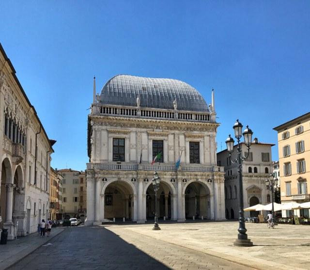 Piazza della Loggia è la cosa da fotografare a Brescia in Lombardia