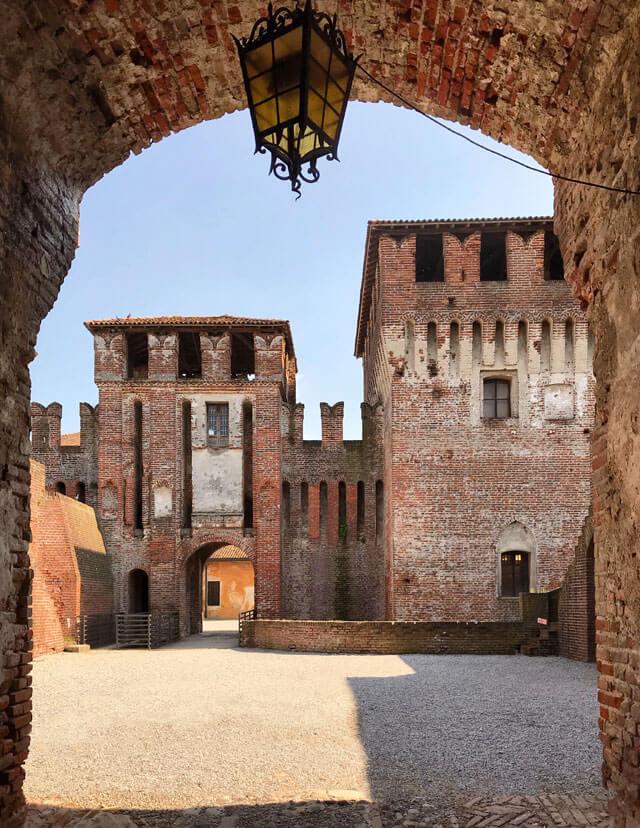 La Rocca di Soncino è uno dei posti da fotografare in Lombardia