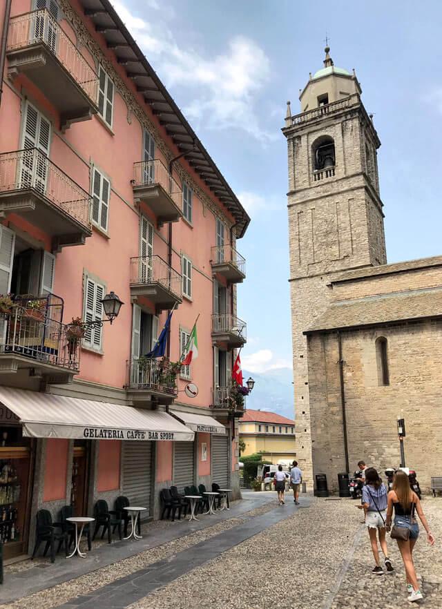 La Basilica di San Giacomo di Bellagio è del XII secolo in stile romanico
