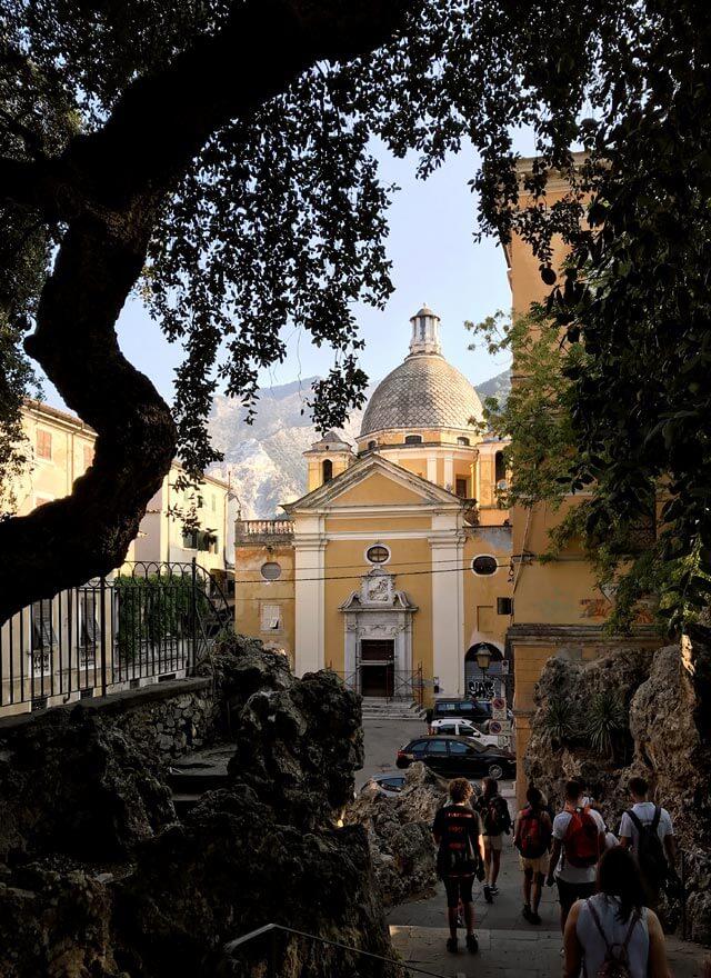 La Chiesa del Suffragio si trova nel centro storico di Carrara