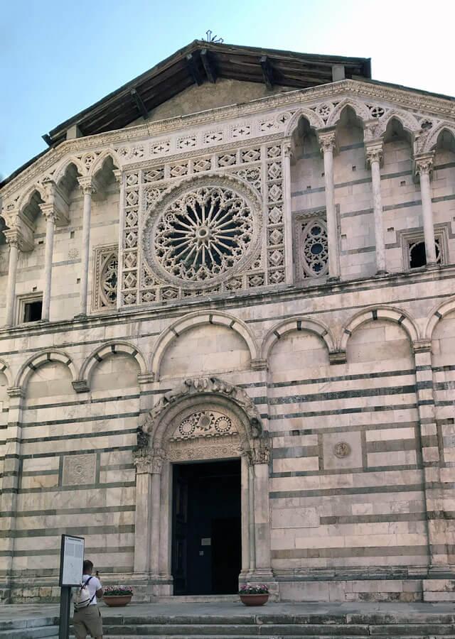Il Duomo di Carrara è da vedere ed è molto particolare