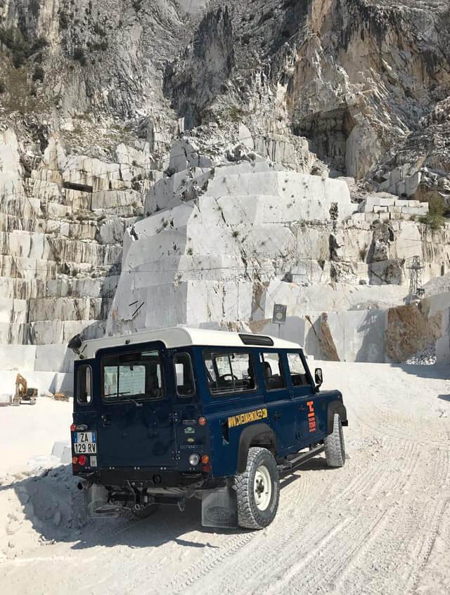 Visitare le cave di marmo è da fare a Carrara