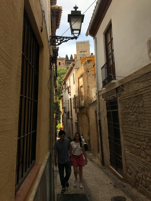 Tra le cose da fare a Granada c'è girare tra le vie dell'Albaicin