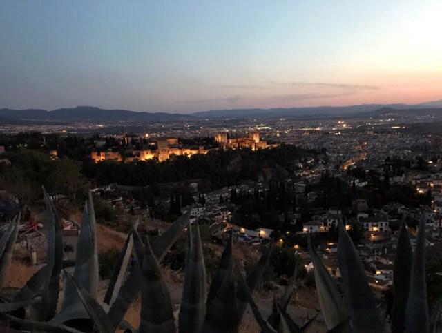Il tramonto più bello sull'Alhambra di Granada? Dal Mirador de San Miguel Alto