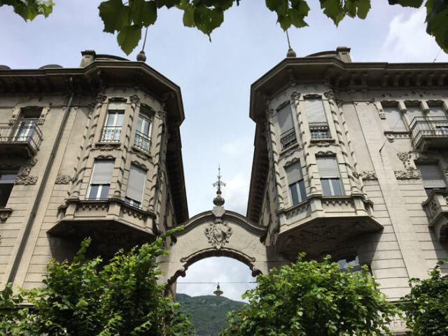 Edificio in stile art nouveau in Viale della Stazione a Bellinzona in Ticino