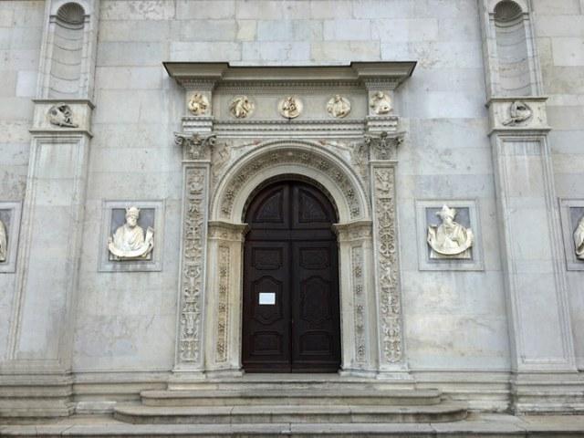 La rinascimentale Cattedrale di San Lorenzo è da vedere a Lugano