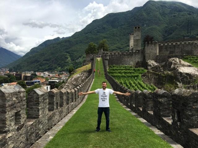 La Murata è la cinta muraria del Castelgrande tra le case di Bellinzona