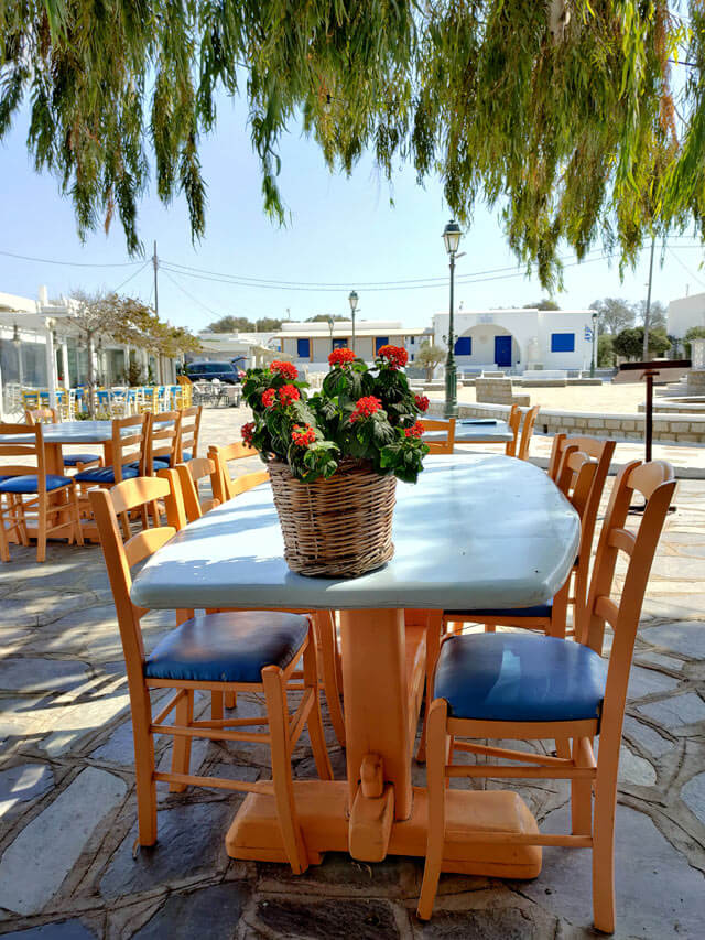 Dove mangiare a Ano Mera a Mykonos? Alla Taverna Vangelis
