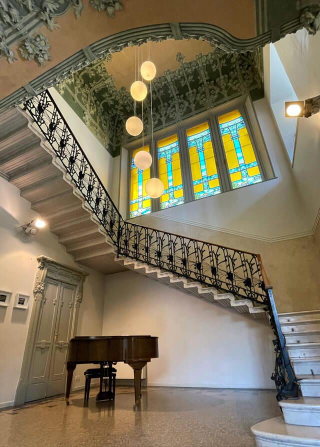 La scalinata è il fulcro di Villa Bernasconi a Cernobbio