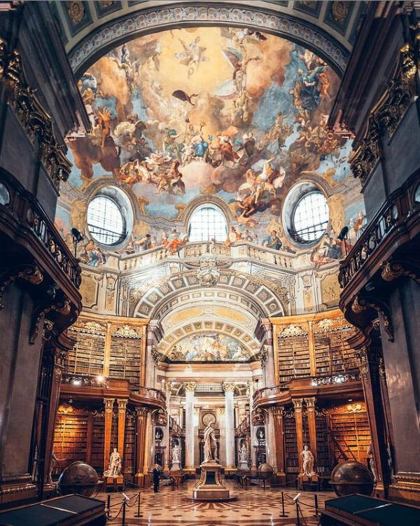 Biblioteca Nazionale Austriaca è una delle più belle al mondo