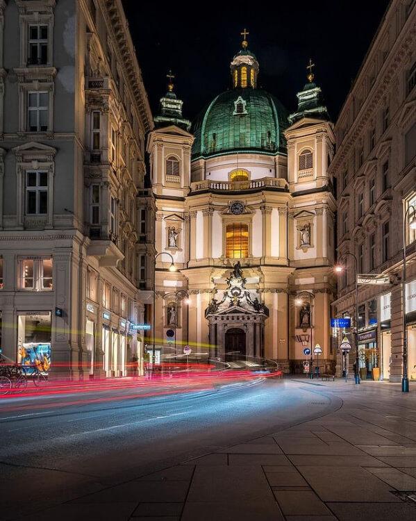 La Peterskirche è una delle chiese più belle di Vienna da fotografare