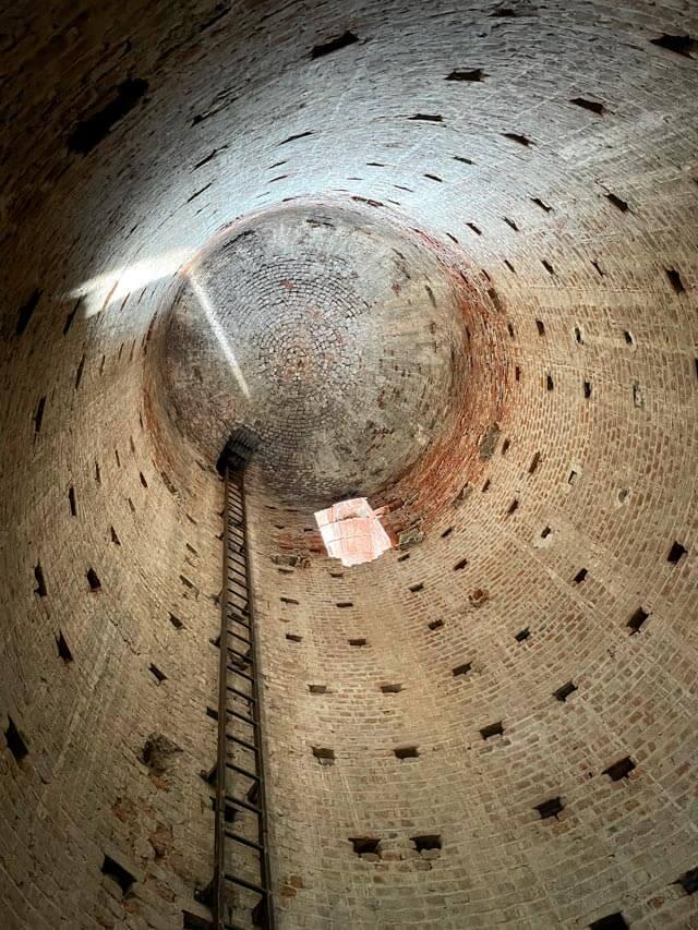 Corneliano d'Alba e la Torre Decagona sono da vedere in tour nelle Langhe