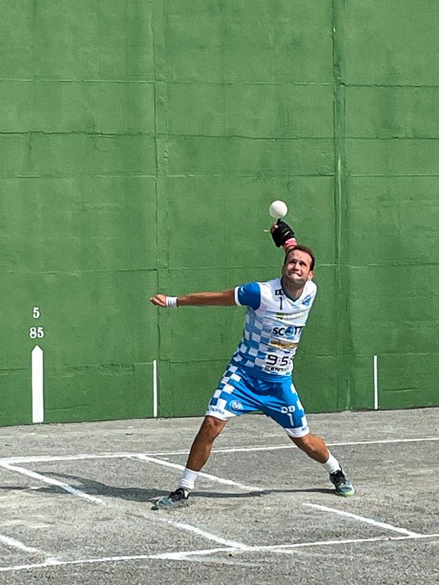 La pallapugno è uno sport radicato e molto seguito nelle Langhe