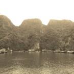 www.sreep.com 20160321_041859 Vietnam, Halong-Bucht: Halongs Inseln im Morgennebel