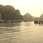 www.sreep.com 20160321_093253 Vietnam, Halong-Bucht: Halongs Inseln im Morgennebel