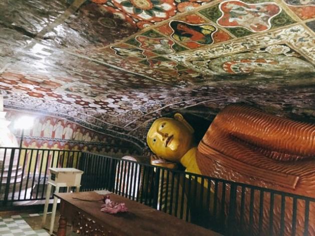 Sri Lanka Jasmine Tours & Drivers スリランカジャスミンツアーズ撮影。 マルキリガラ寺院 マルキリガラ遺跡 ムルキリガラ の壁画と涅槃仏