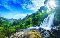 ella sri lanka trains arch bridge waterfalls 1