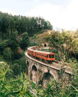ella sri lanka trains arch bridge waterfalls 12