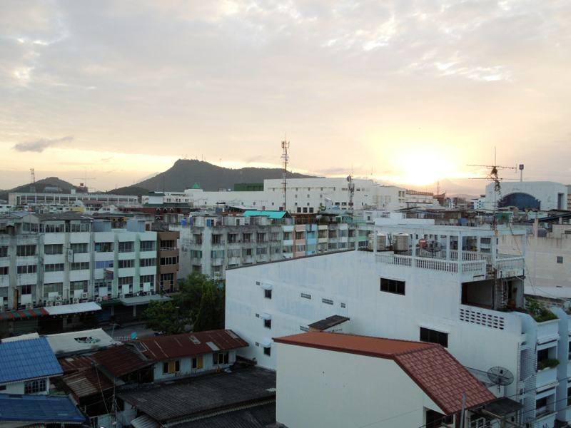 sun rise in sriracha