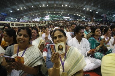 Thousands join the choir to sing Jnanappana at the Art of Living International centre.