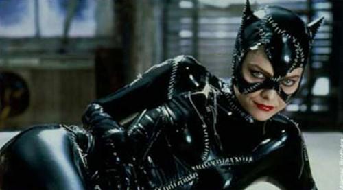 Michelle-Pfeiffer-Catwoman-Batman-Returns-500x277
