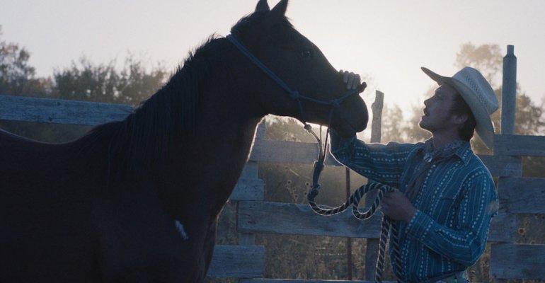 סרטים חדשים: ״הרוכב״ של קלואי ז׳או