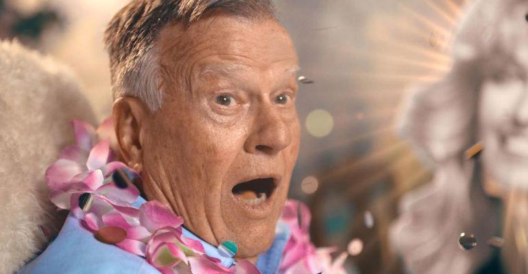 ״דיק ג׳ונסון מת״, סקירת נטפליקס