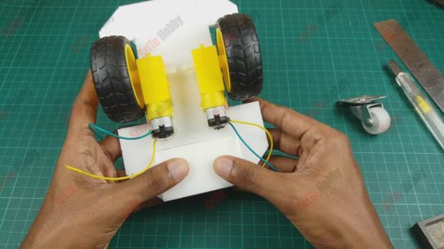 Then attach the rotating wheel as follows.