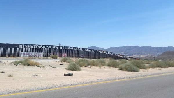 Photo of the Mexican-Us border at Juarez, Mexico