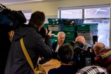 The Special Rapporteur visits a food bank in Newcastle. © Bassam Khawaja 2018