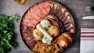 Stefan Grill restaurant 39178759_2118889031486142_4466320509537091584_o