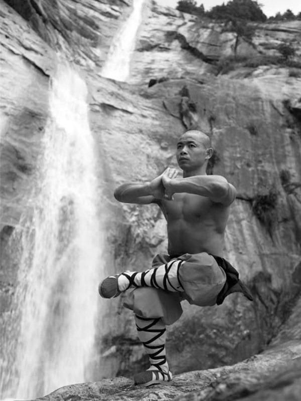 shaolin-monks-training-18