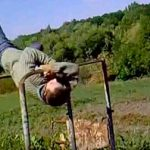 Упражнения на брусьях
