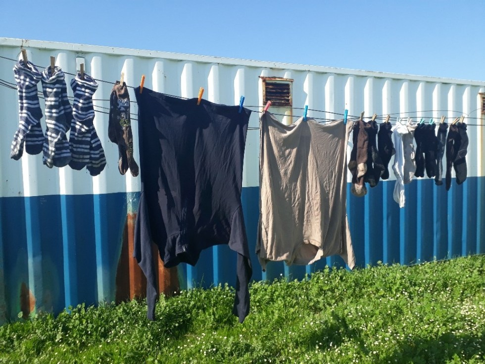 laundry hanging up to dry spindel review