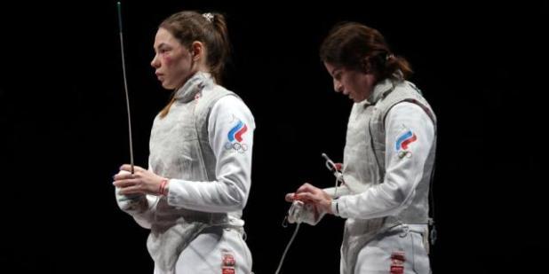Марта Мартьянова и Инна Дериглазова во время командного финала на Олимпиаде в Токио.