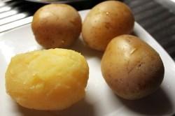 patate 320x213 Insalata di Patate Fantasia