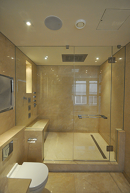 3  Frameless Enclosures to Ceiling  SSI
