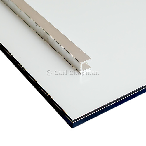 rear aluminium rails of wall mount acrylic print