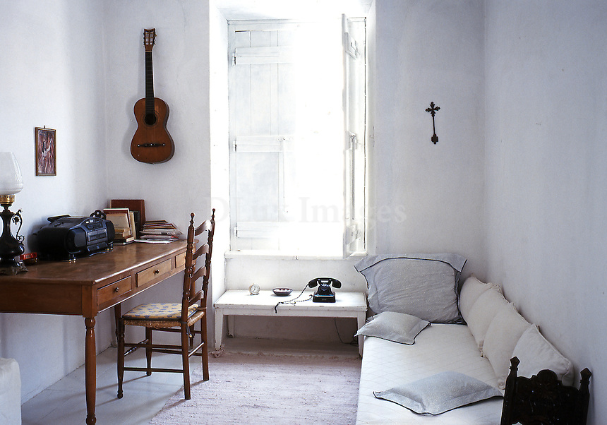 decorative pillows for sofa broyhill laramie reviews house of leonard cohen :hydra, greece | dlux images ...