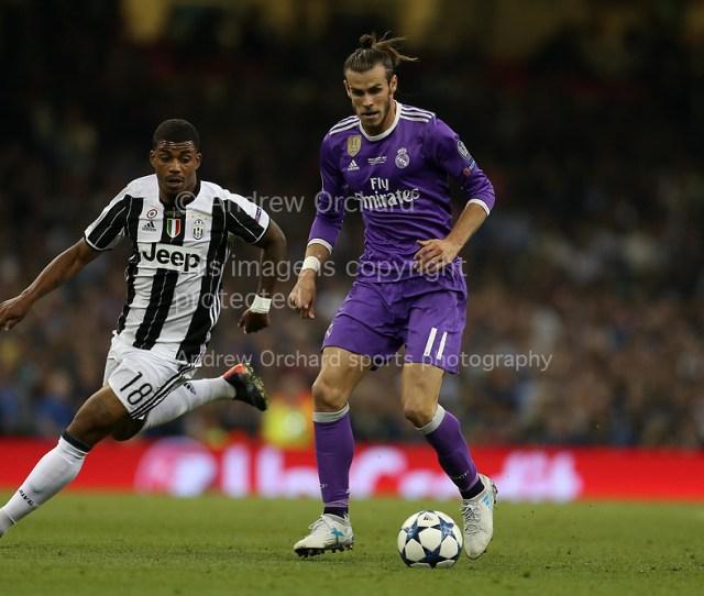 Gareth Bale Of Real Madrid Goes Past Mario Lemina Of Juventus Uefa Champions League Final