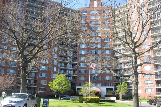 220-55 46 Ave Unit 9X. Bayside. NY 11361   MLS# 3135309   Redfin