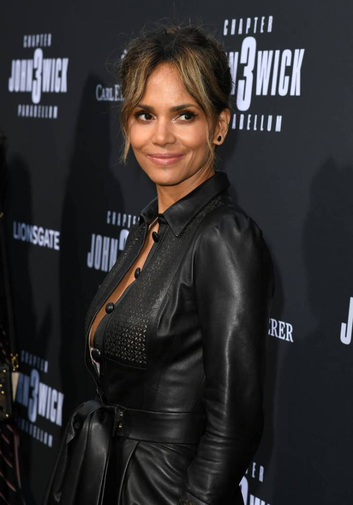 Halle Berry Pillow Challenge Strip instagram naked