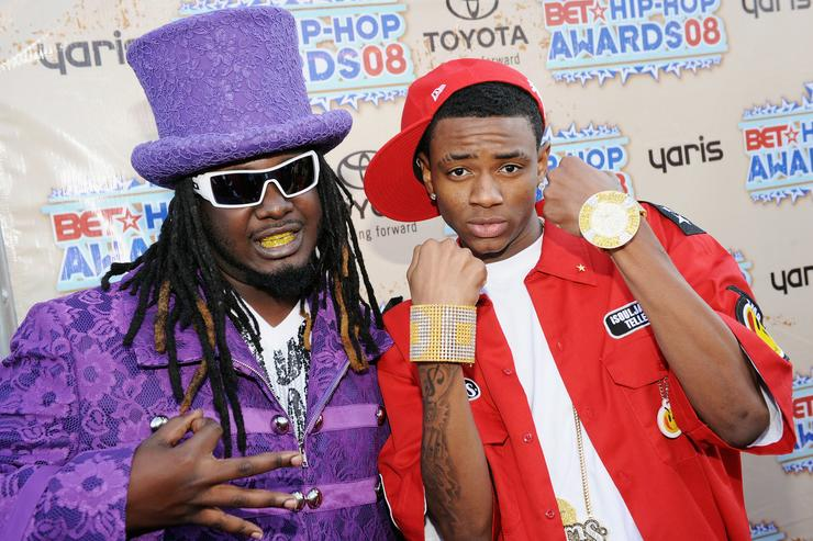 (L-R) Recording artists T-Pain and Soulja Boy attend the 2008 BET Hip-Hop Awards at The Boisfeuillet Jones Atlanta Civic Center on October 18, 2008 in Atlanta, Georgia.