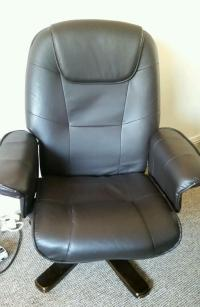 Brown leather swivel recliner chair Buy, sale and trade ads
